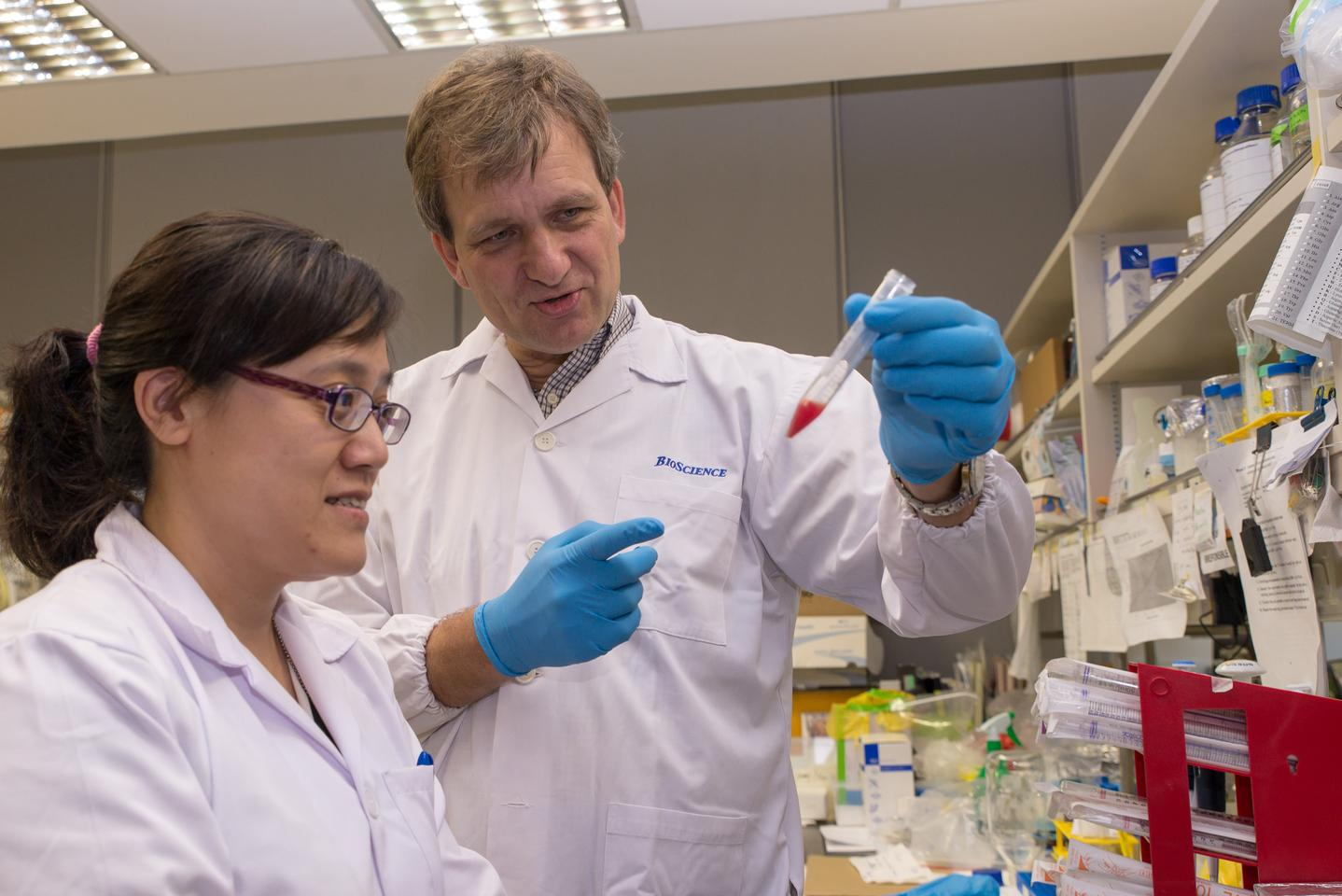 NTU Prof Peter Preiser and scientist Dr Annie Gao