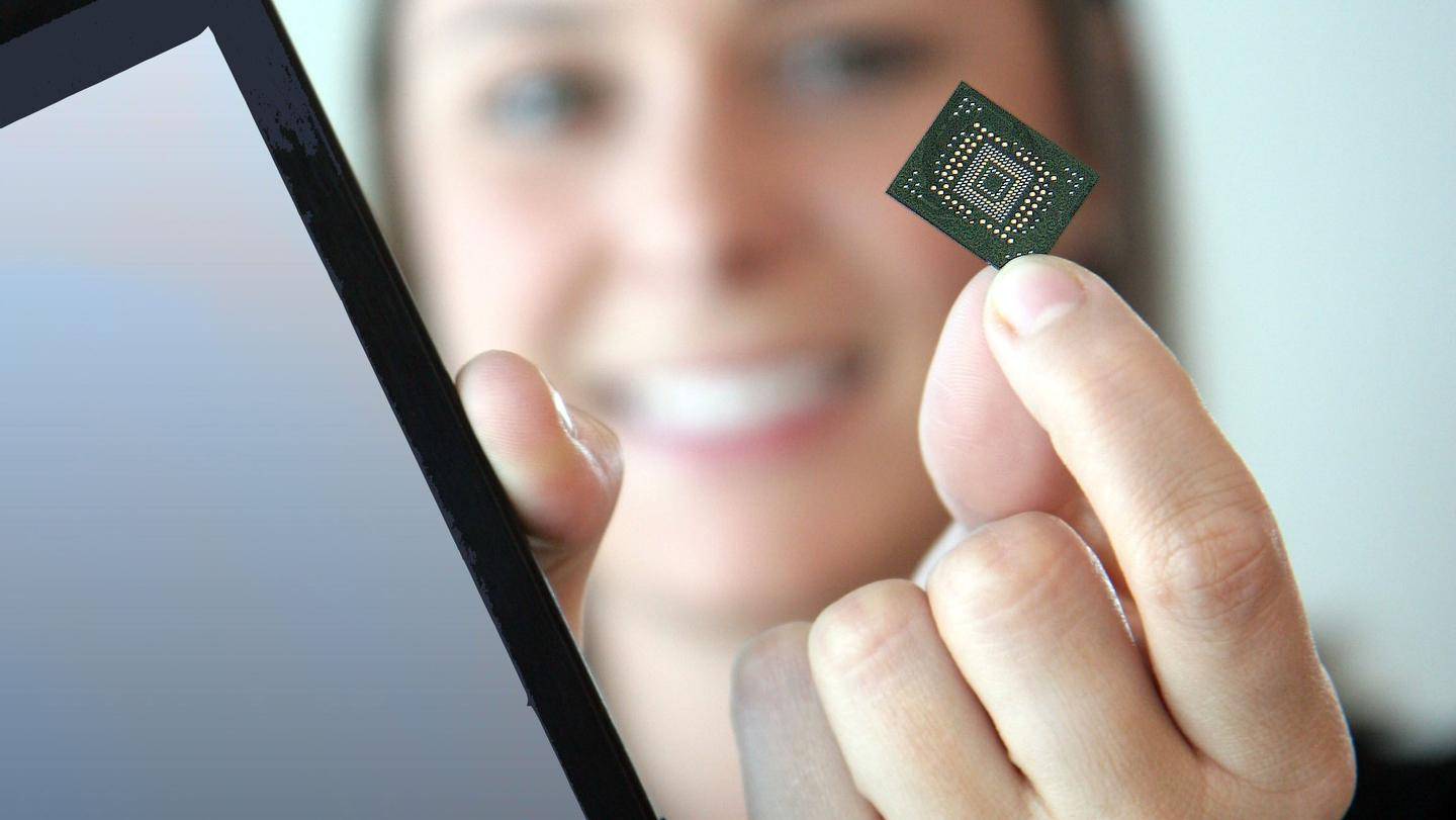 SanDisk and Toshiba have developed and fabricated NAND flash memory modules with 19nm process technology
