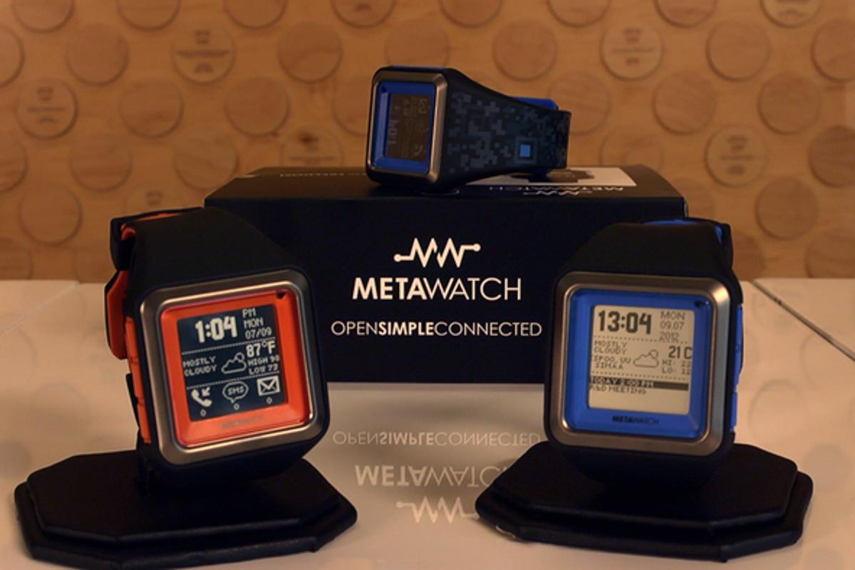 The MetaWatch STRADA smartwatch pairs with an iPhone 4S, 3rd gen iPad or Android smartphone via Bluetooth and features vibrating alerts for incoming calls, SMS text messages, emails, and social network notifications