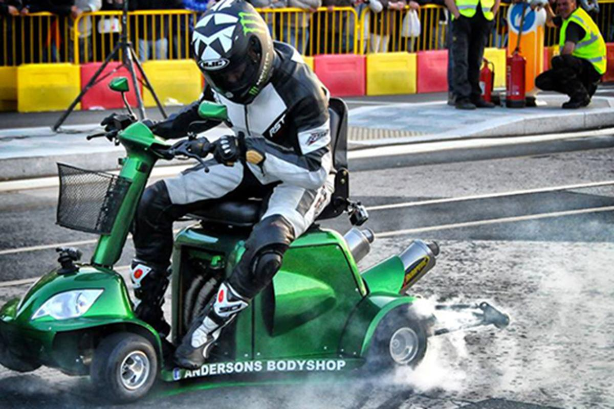 Over a quarter of a mile at the Jurby Motodrome in the Isle of Man, Anderson steered the scooter into the record books at a blistering 107.6 mph
