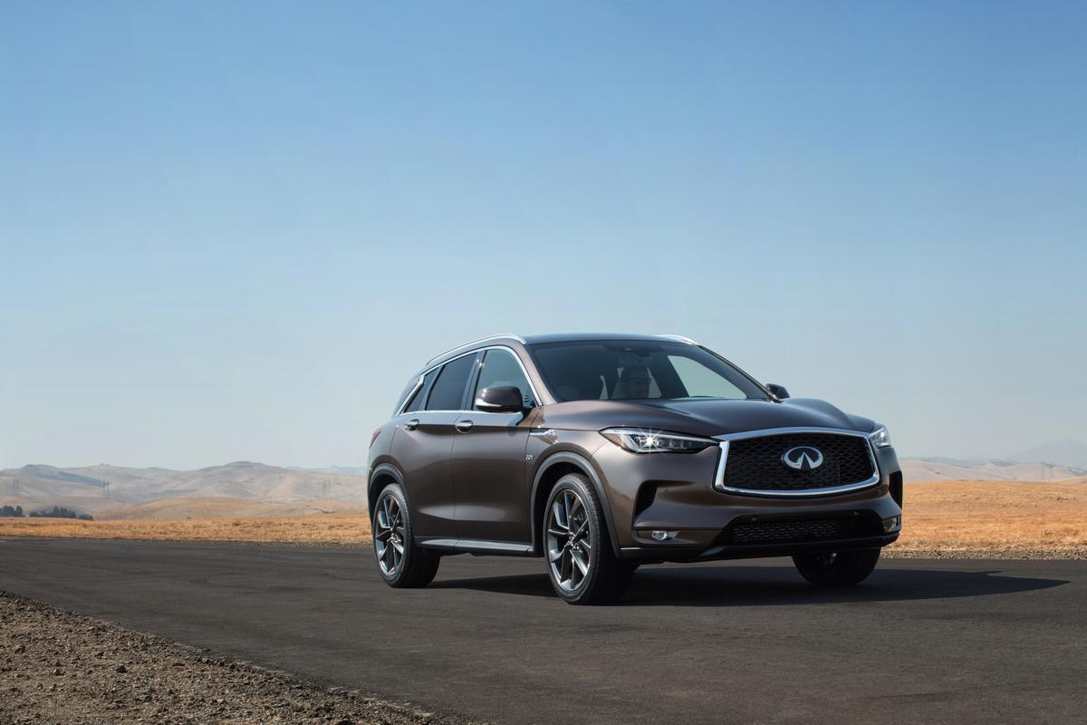 The new Infiniti's swooping roof-line gives it a sportier look than the current-gen QX50