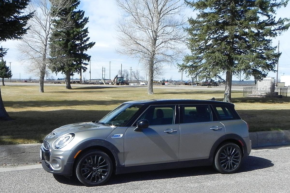 After a week in the 2016 Mini Cooper Clubman, we found that it keeps the quirky, fun nature of the Mini