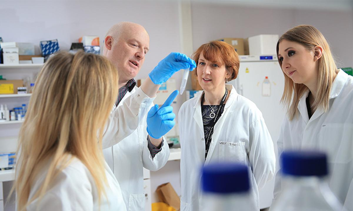 Prof. Allan Pacey and Dr. Liz Williams with members of their research team