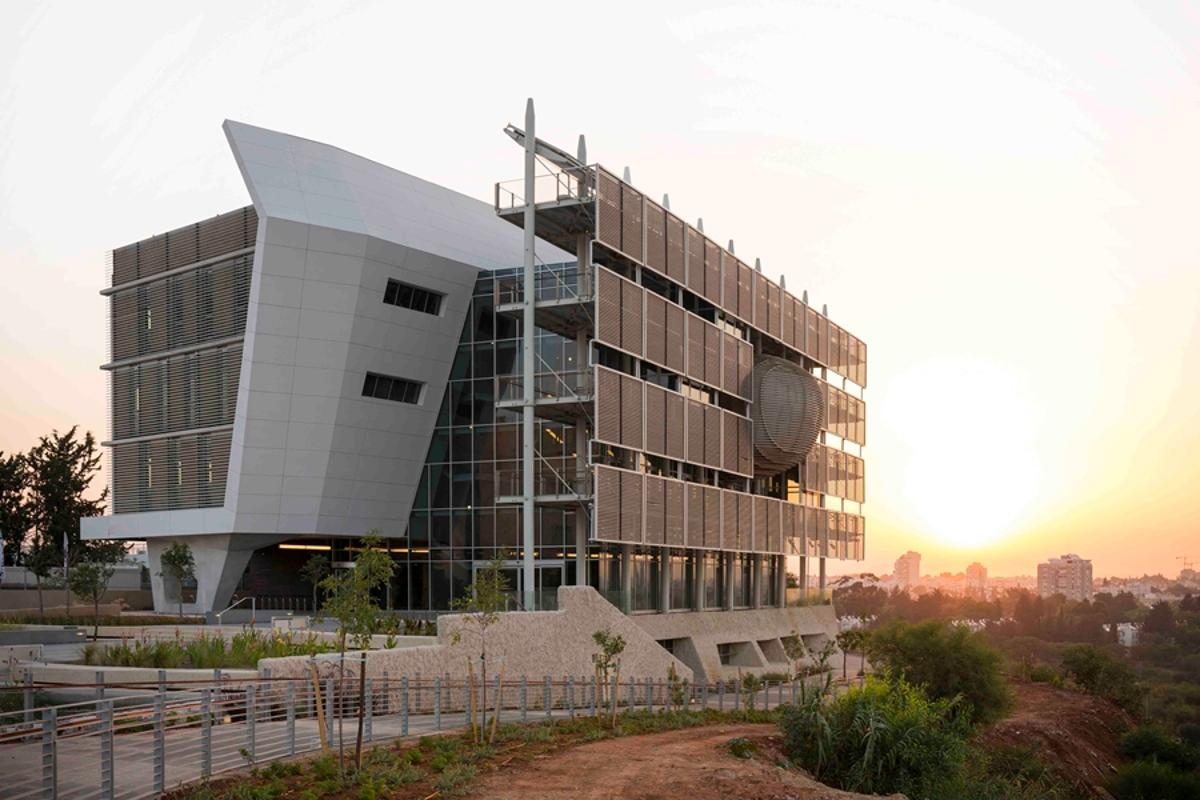 A new building has been opened for Tel Aviv University's Porter School of Environmental Studies (Photo: Shai Epstein)