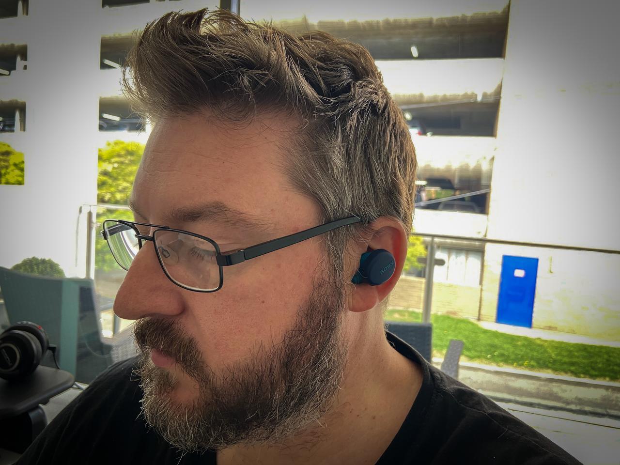 Loz models Sony's unusually shaped WF-XB700 true wireless earbuds