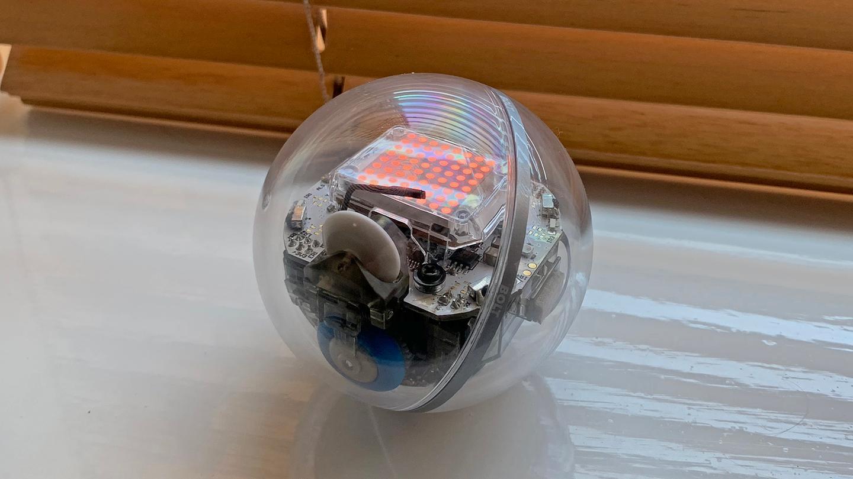 Sphero's new Bolt robot adds an 8x8 LEDmatrix display