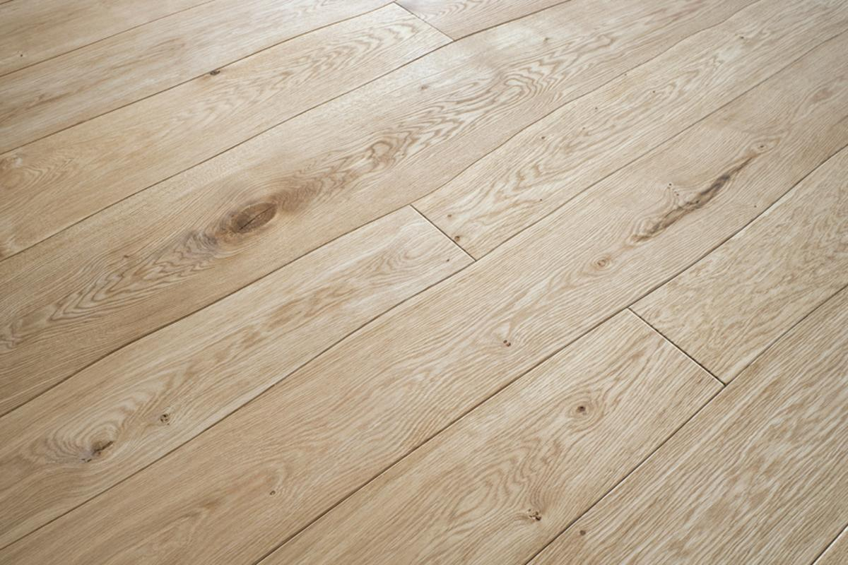 Bolefloor floorboards follow the natural curve of the tree from which they are cut