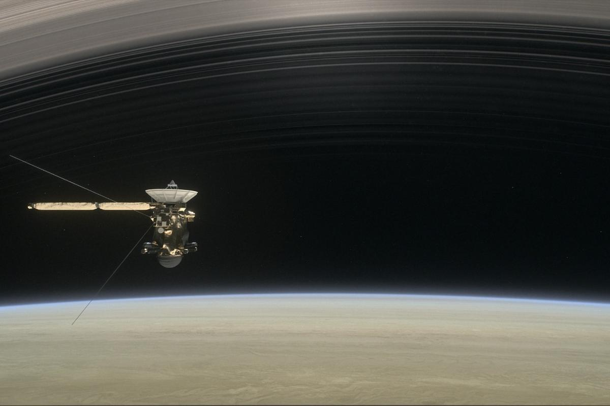 Artist's rendering of Cassini, as the spacecraft making one of its final five dives through Saturn's upper atmosphere