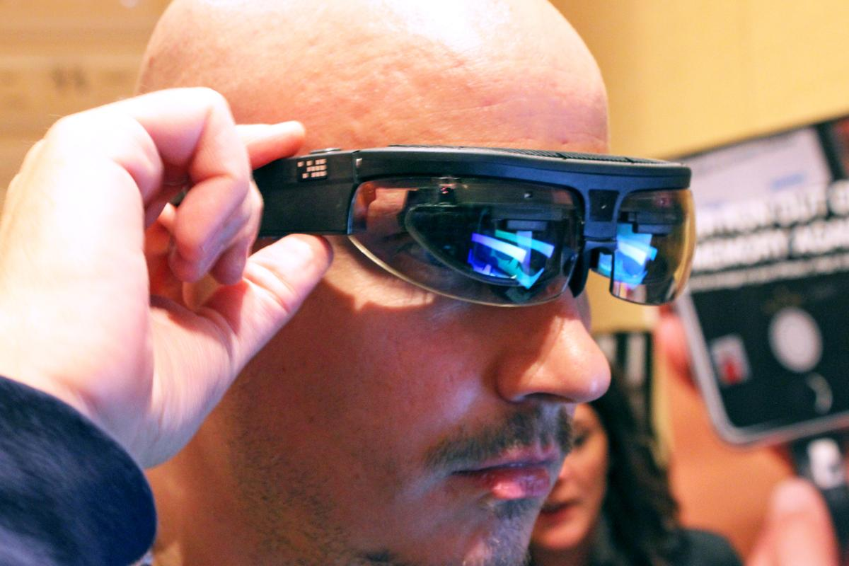 Gizmag handles ODG's smartglasses, which are much more immersive than Google Glass (Photo: Will Shanklin/Gizmag.com)