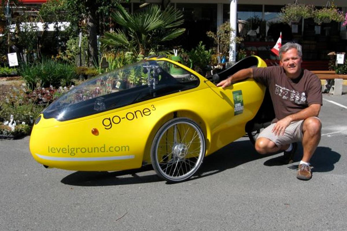 Hugo Ciro and his Beyss Go-One velomobile