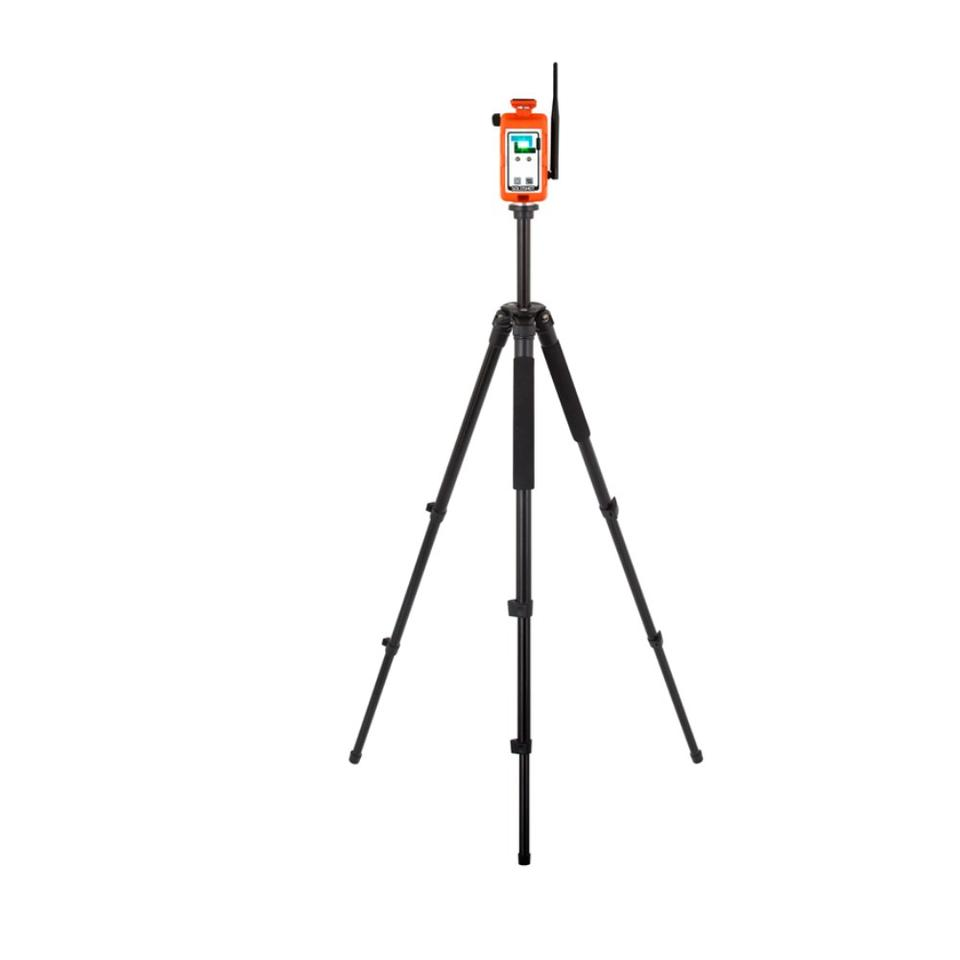 The adjustable SOLOSHOT tripod stands up to 5 feet (1.5 m) tall