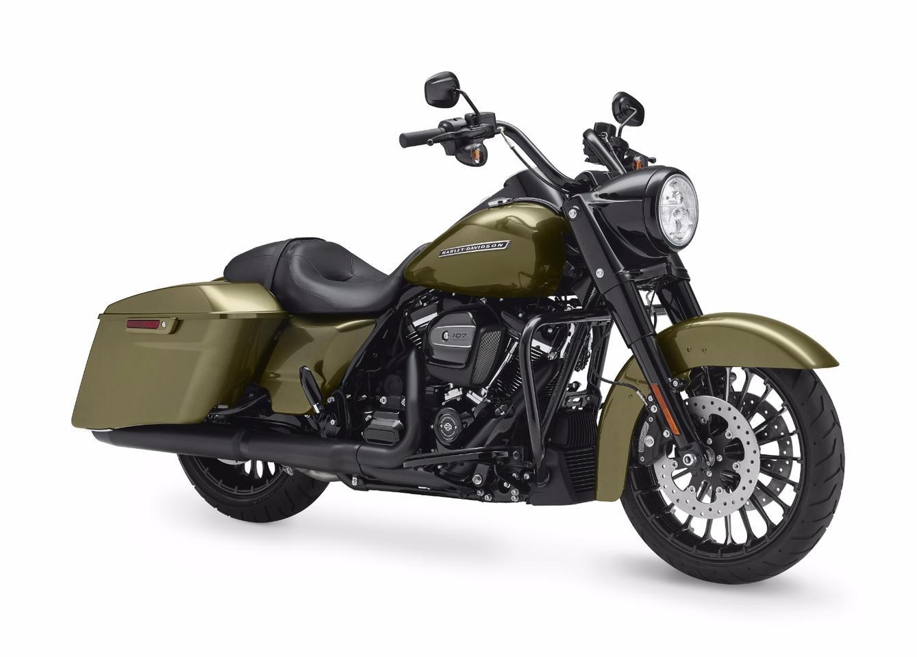The 2017 Harley-Davidson Road King Special in olive gold color
