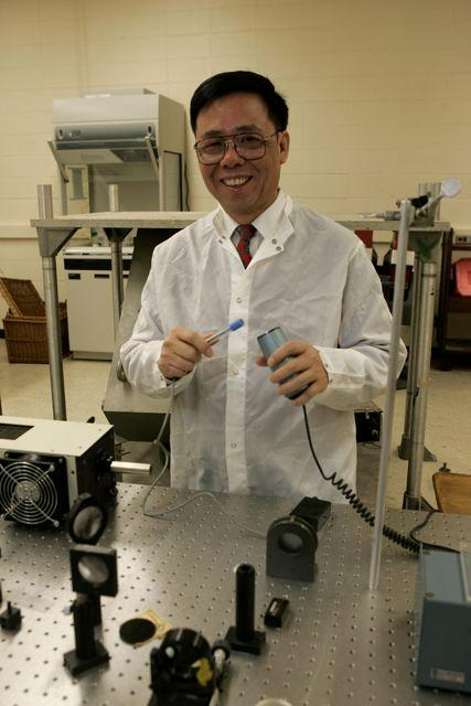 Physicist Rongjia Tao has reduced the viscosity of human blood by subjecting it to magnetic fields (Photo: Temple University)