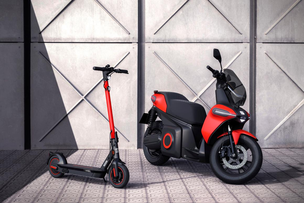 Spanish automaker SEAT launched its urban mobility division with new e-Scooter and e-Kickscooter concepts