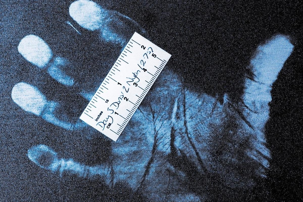 Forensic researchers have had early success refining a method normally used to recover fingerprints from plastic and glass, and applying it to clothing
