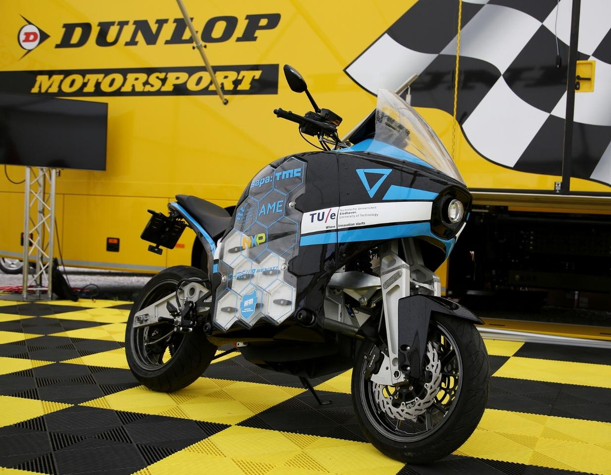 The bikes are fitted especially with Dunlop RoadSmart III tires