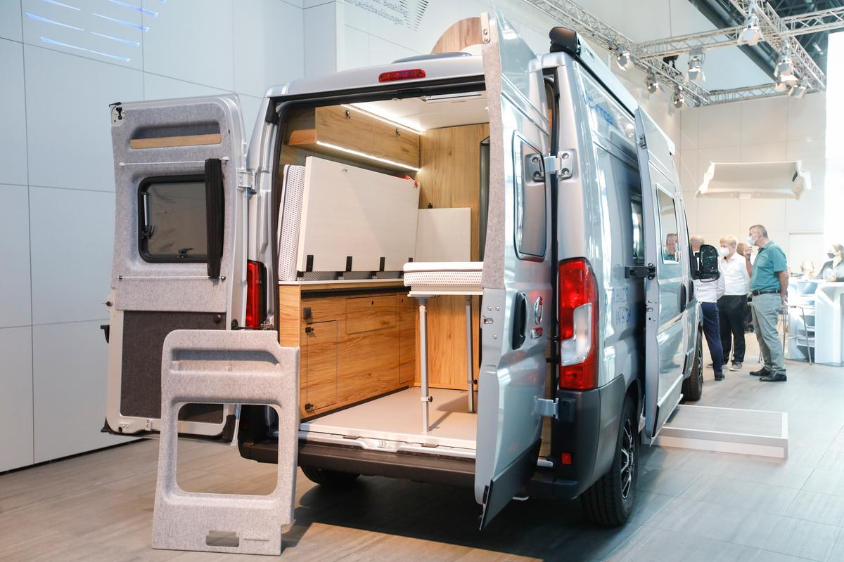 Last year's Mercedes-Sprinter-based ConceptVan focused solely on Vöhringer's lightweight materials, while this Ducato-based 2021 concept camper highlights a full, modular camper van layout