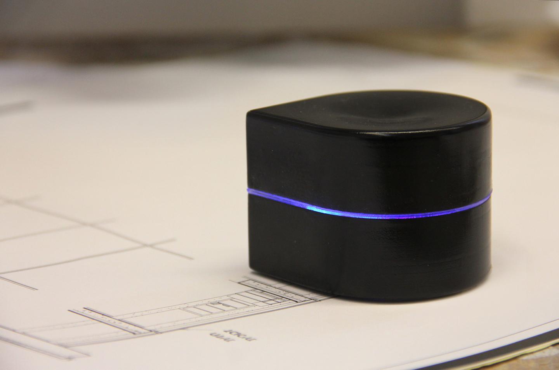 Zuta Labs has created a mini robotic portable printer