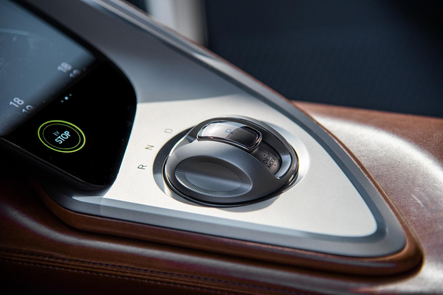 The Crystal Sphere Electronic Shift Lever at the driver's right hand provides simple transmission control