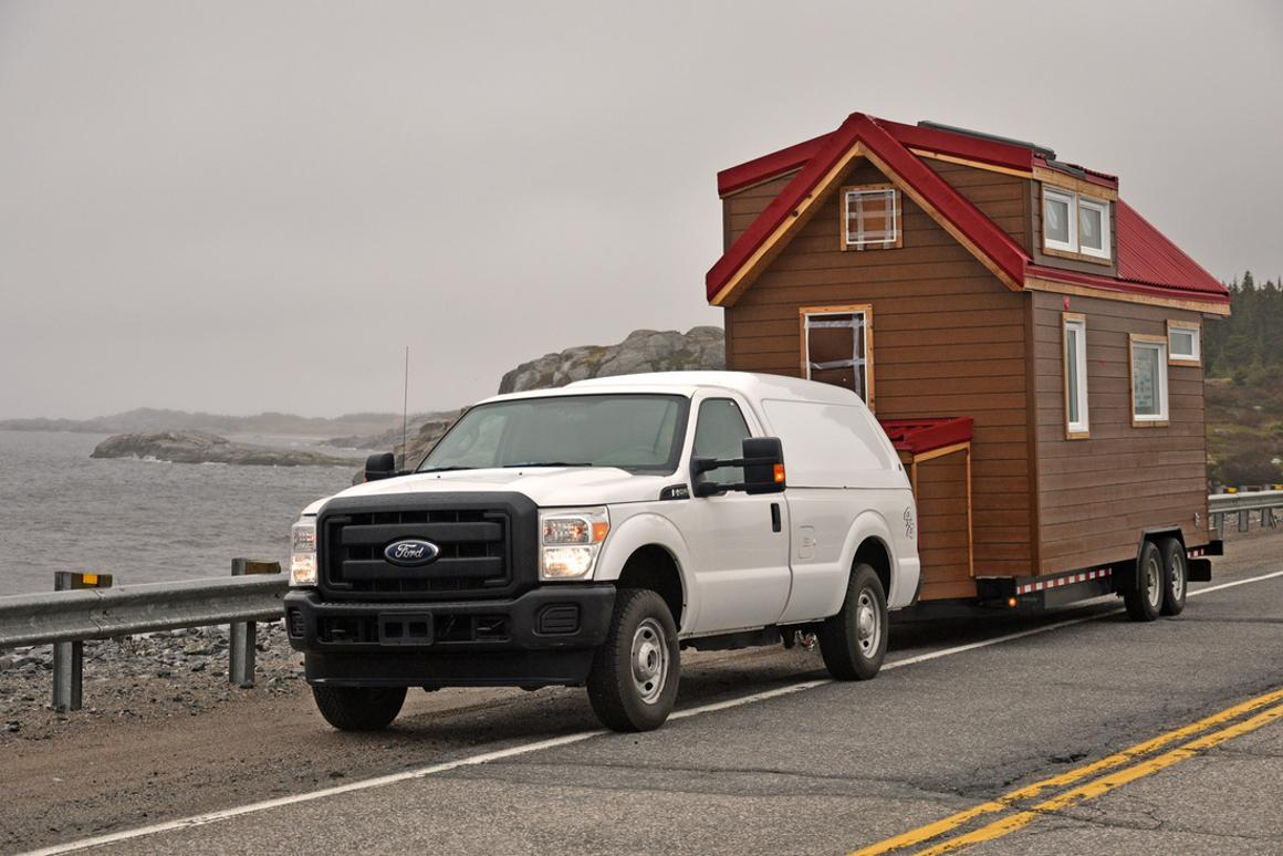 The aptly-named Big Whale Tiny House measures 8 x 20 ft (2.5 x 6 m) and comprises a total floorspace of 160 sq ft (14.5 sq m)