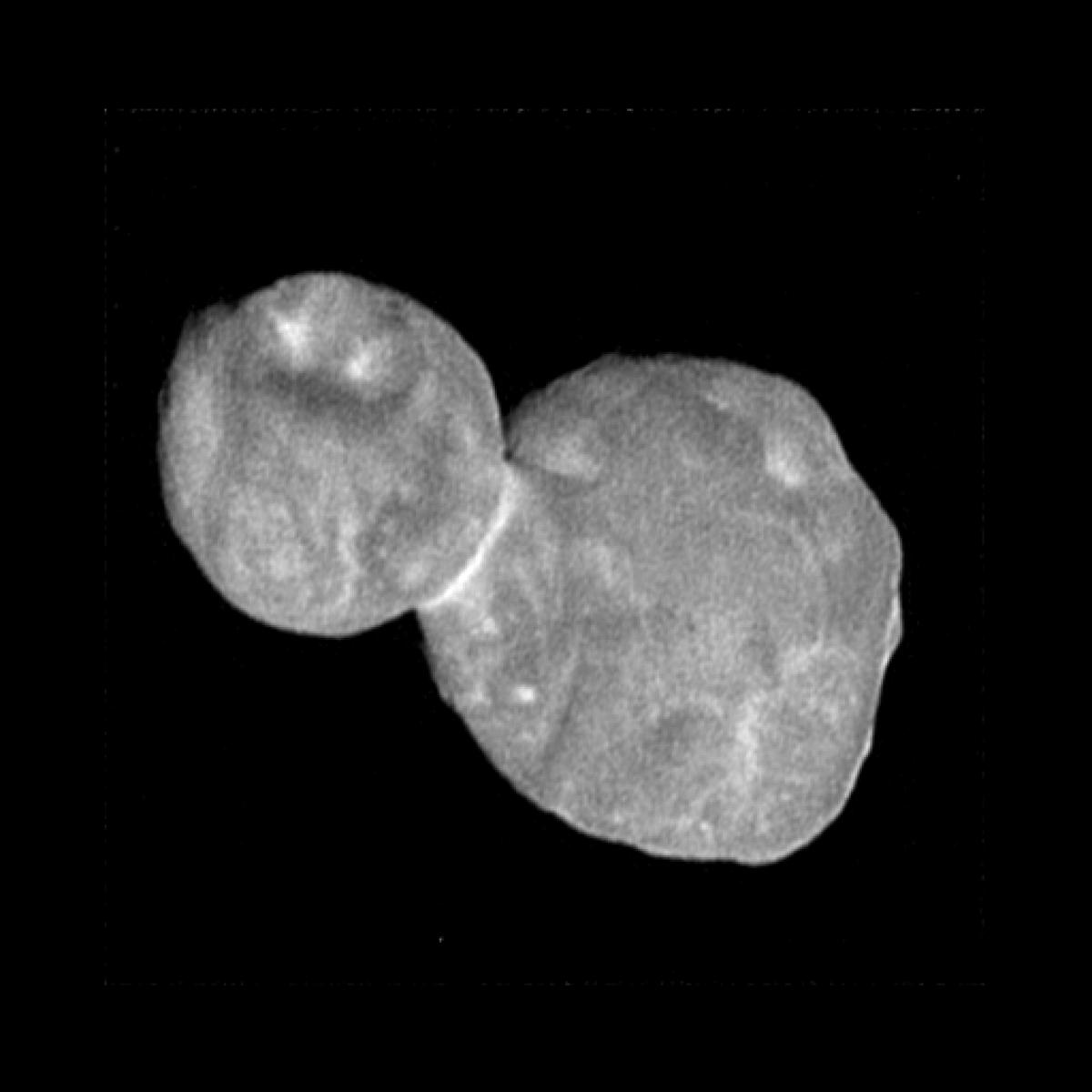 This image of Ultima Thule was snapped about 19 minutes before New Horizons' closest approach, showing a spatial resolutionof 273 ft (83 m) per pixel