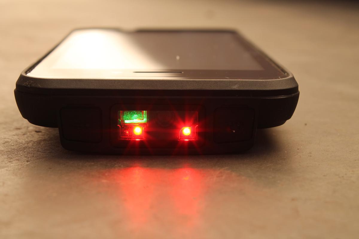1D barcode scanner in action (Photo: Eric Mack/Gizmag.com)