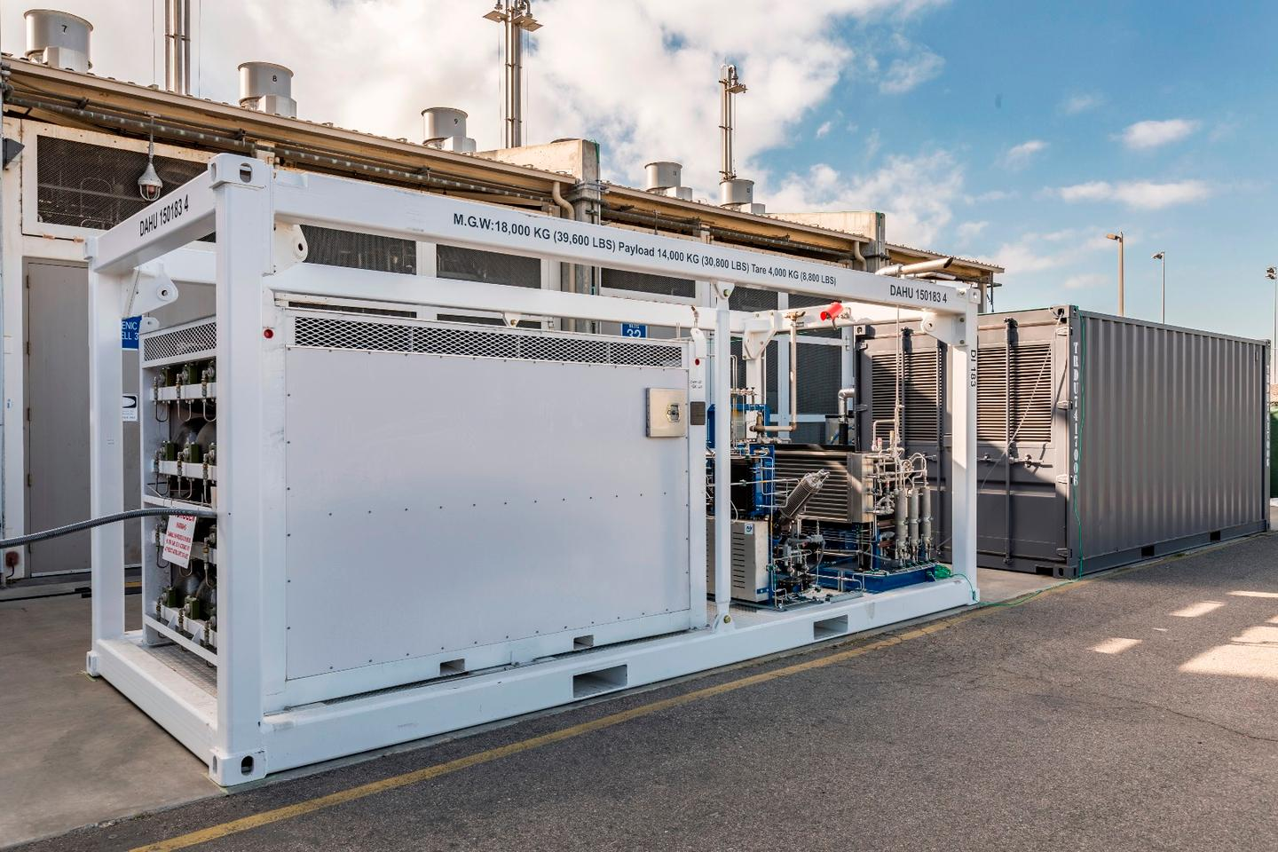 Boeing's reversible solid oxide fuel cell system in operation in Huntington Beach, California