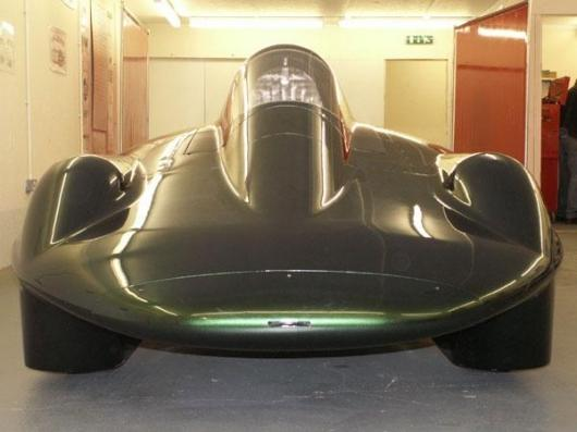 The British Steam Car is aiming for a 200mph land speed record.
