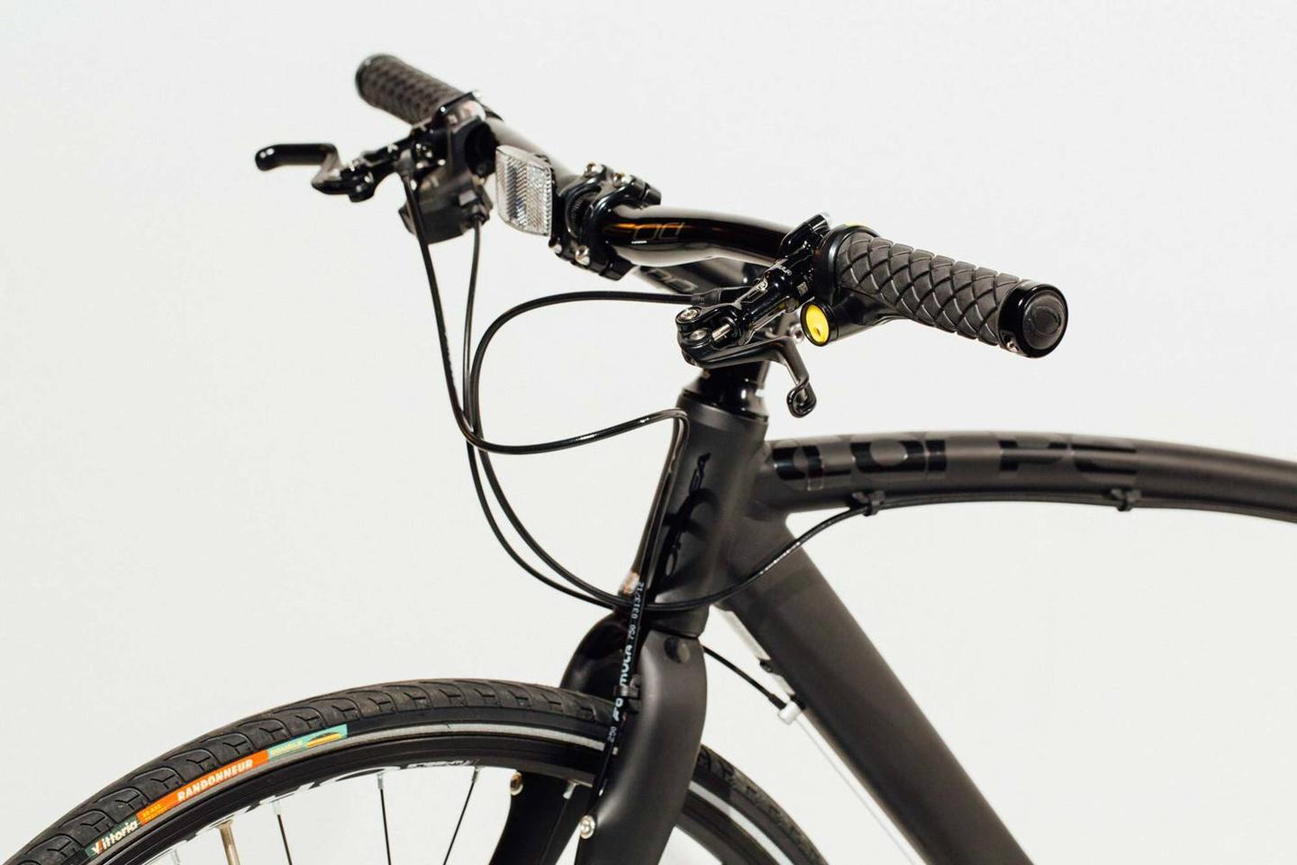 A Sonic Grip-equipped bike, with the siren visible on the left-hand grip