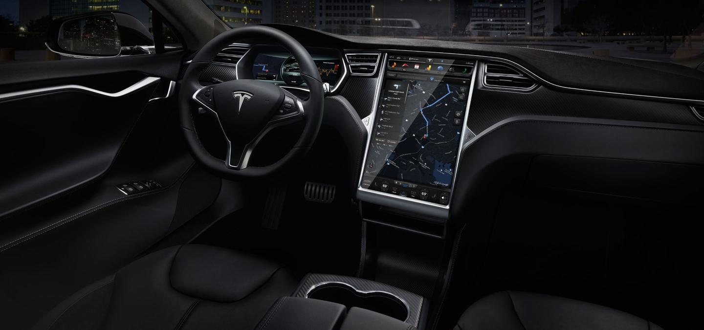 This Tesla display is relatively secure, yet other manufacturers were not so lucky in recent months as security researchers exploit their RF systems and the UConnect infotainment system