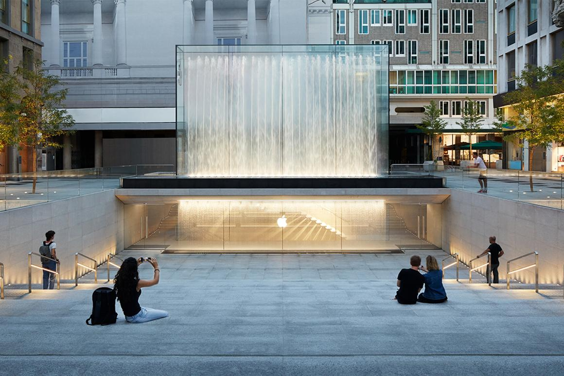 Apple Piazza Liberty store is located in Milan's Piazza del Liberty