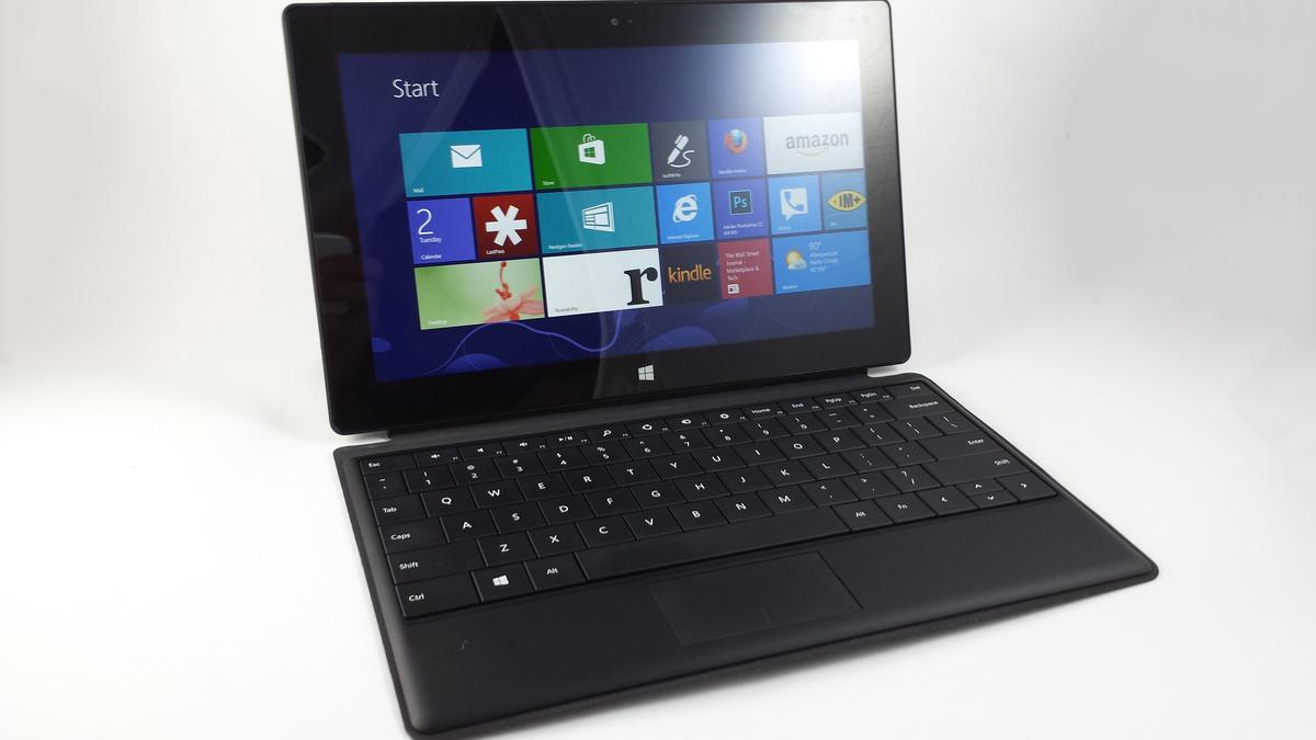 Gizmag reviews the Microsoft Surface Pro that combines the power of a laptop with the form-factor of a tablet.