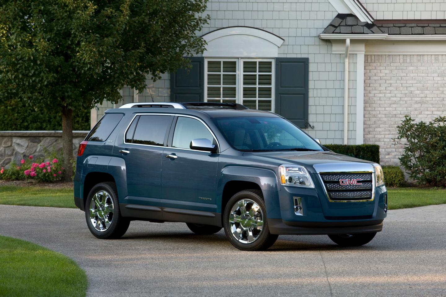 The 2012 GMC Terrain offers the IntelLink system as an option