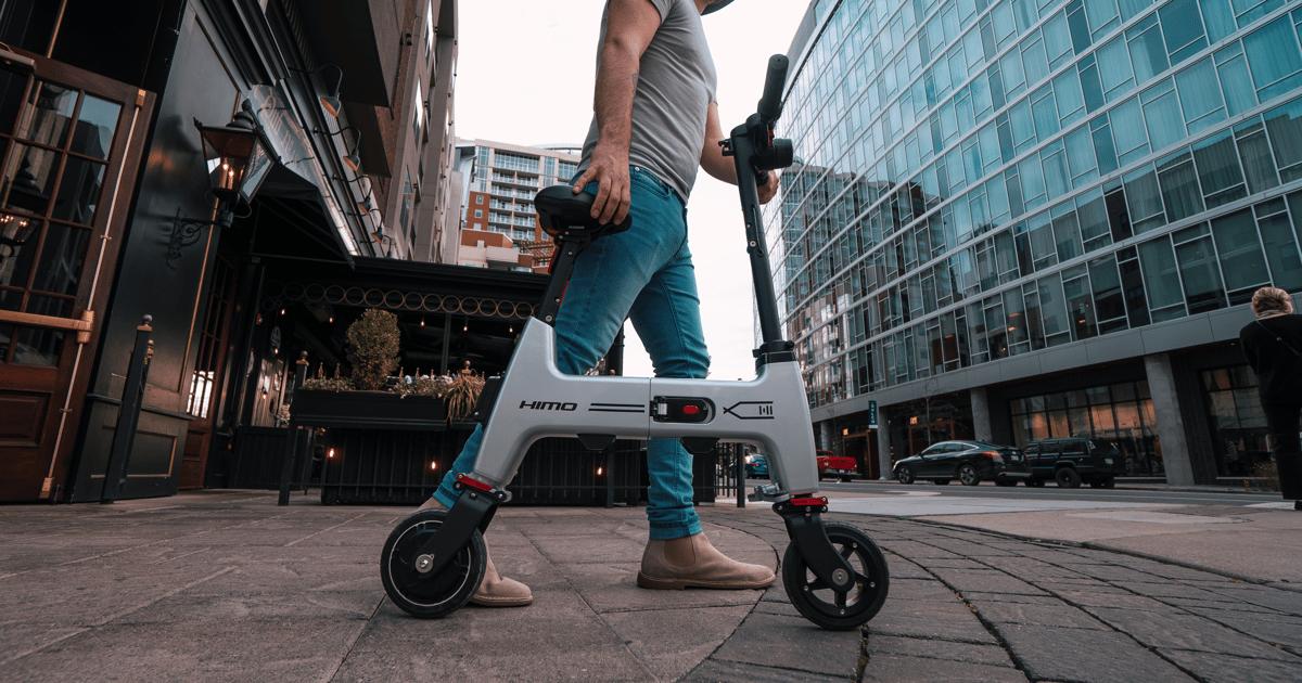 Tiny $500 city electric bike folds into a backpack