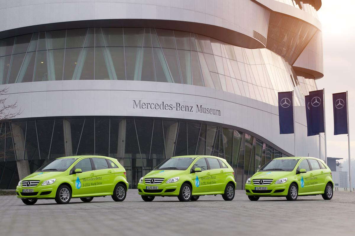 The three B-Class F-CELL EVs that will circumnavigate the globe in the Mercedes-Benz F-CELL World Drive