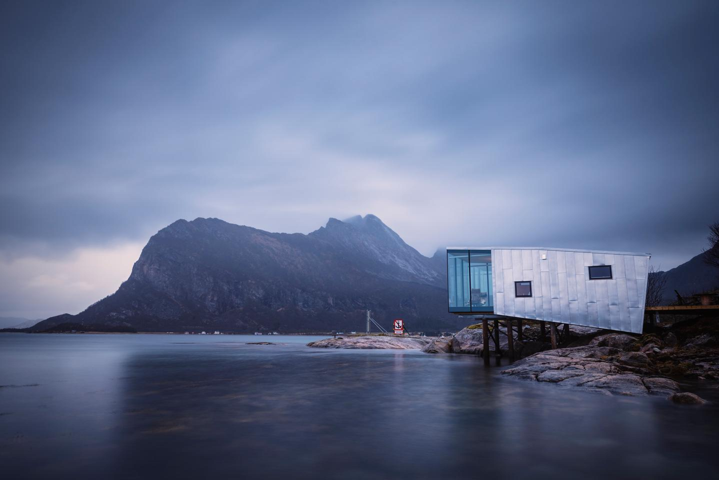 Some of the recreational activities on offer on the island of Manshausen include diving, hiking and kayaking, and the original set of four cabins completed in 2015 offered a place of refuge