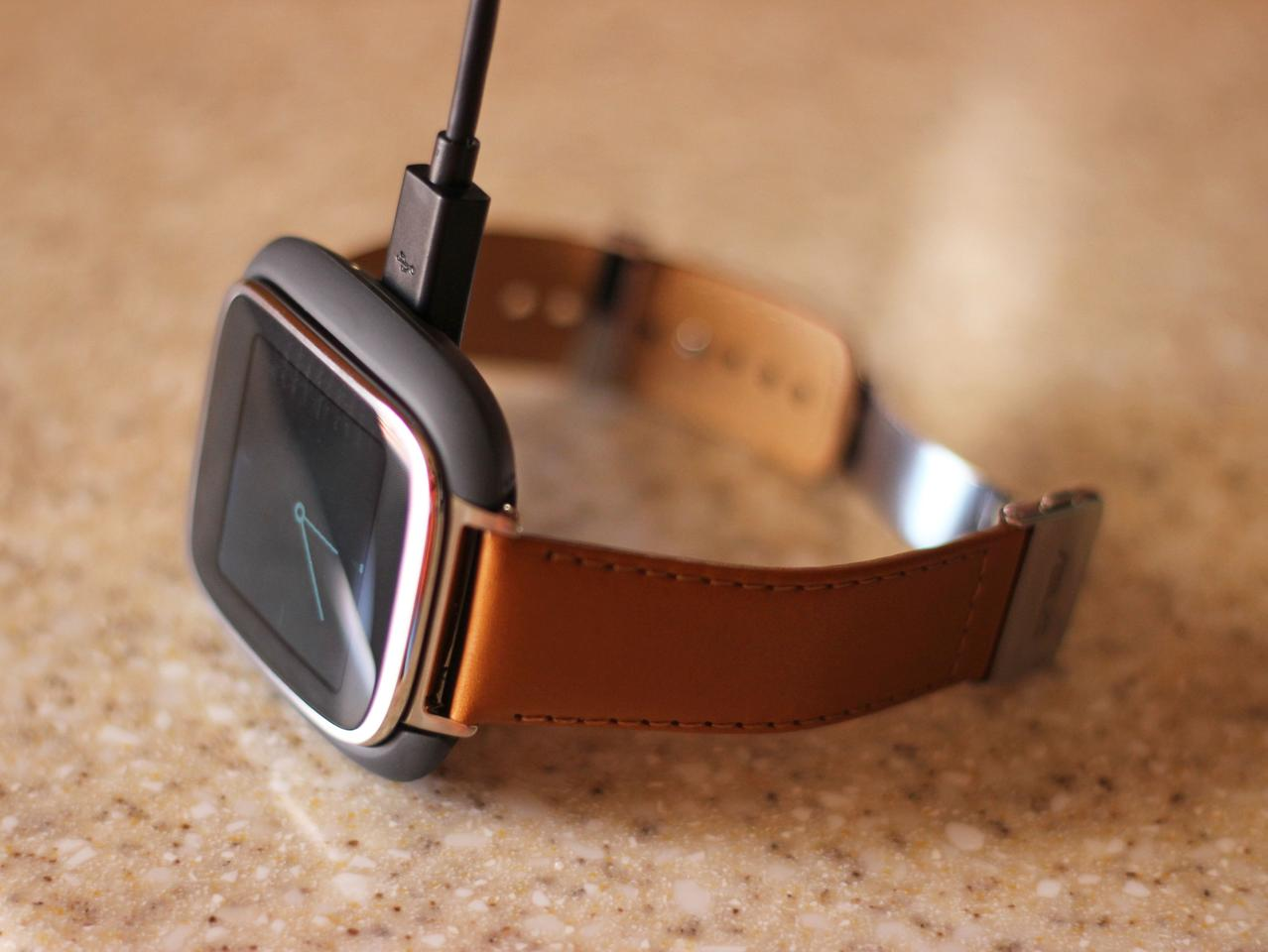 The ZenWatch in its charging cradle (Photo: Will Shanklin/Gizmag.com)
