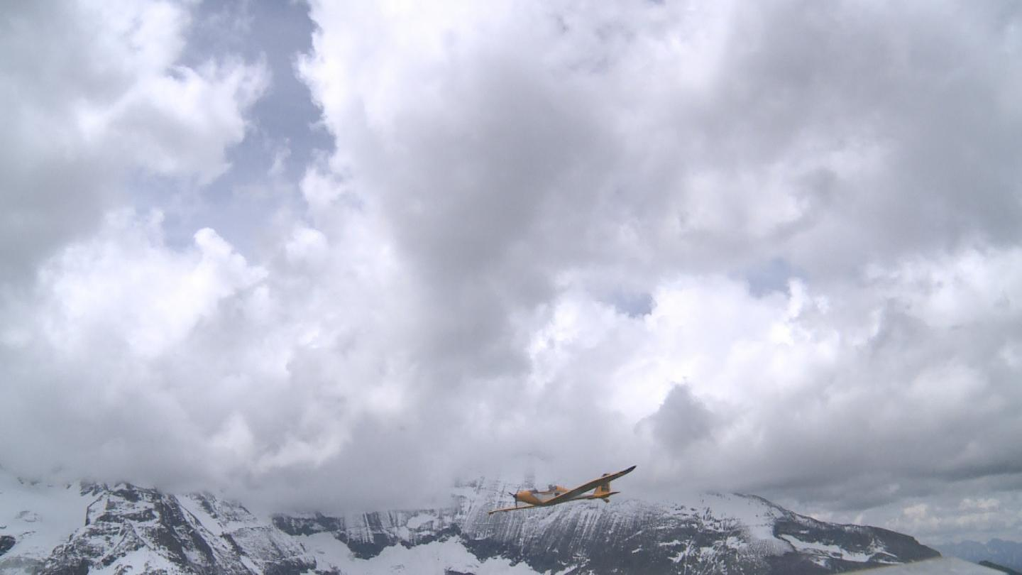 The single-person ultralight aircraft took off from the German municipality of Unterwössen on June 25th, crossed over the Grossglockner (the highest mountain in Austria), and proceeded to land in the Austrian town of Lienz