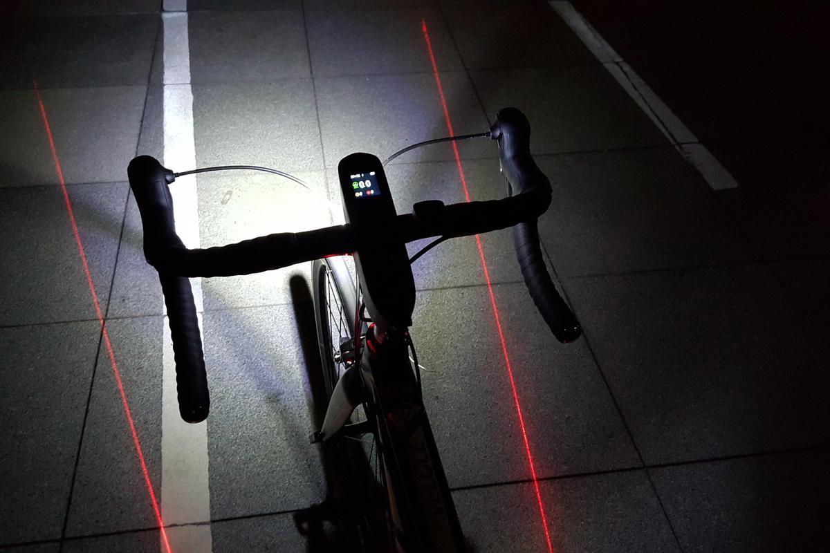 The Speednite in hazard-light mode, with both turn indicators and headlightflashing