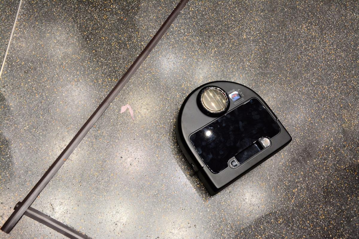 The Botvac Connected sweeps the floor at IFA 2015