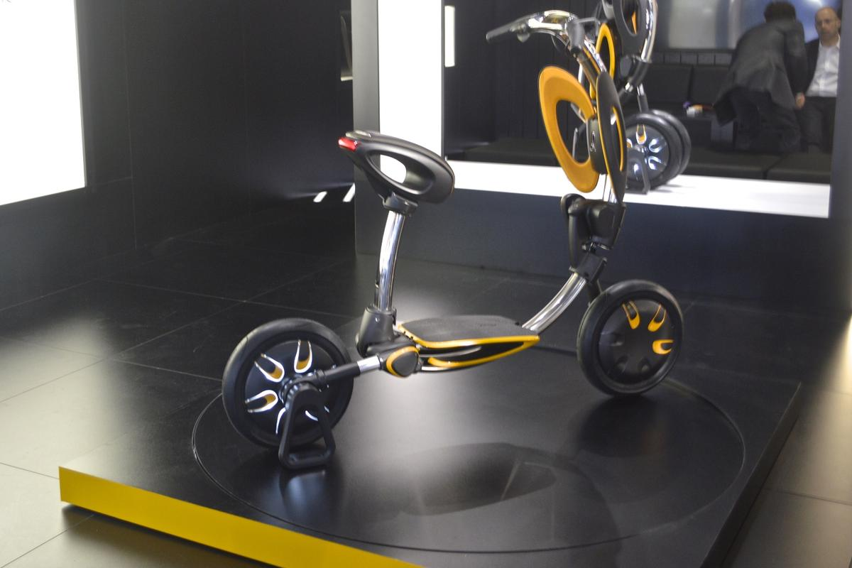 The INU scooter at the 2015 Frankfurt Motor Show