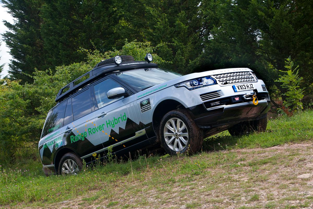 The first Range Rover hybrids have arrived in the form of the Range Rover Hybrid and Sport Hybrid