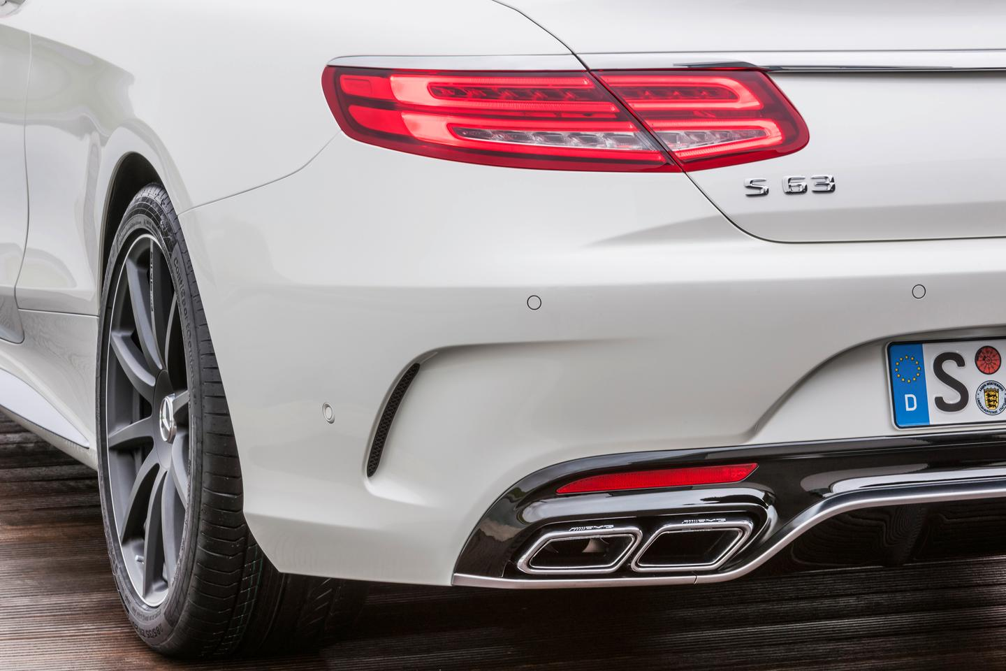 The S63 AMG Coupé features active baffles in the exhaust, an auditory gimmick that changes the aural outcry of the V8 when pushed towards the upper rev range