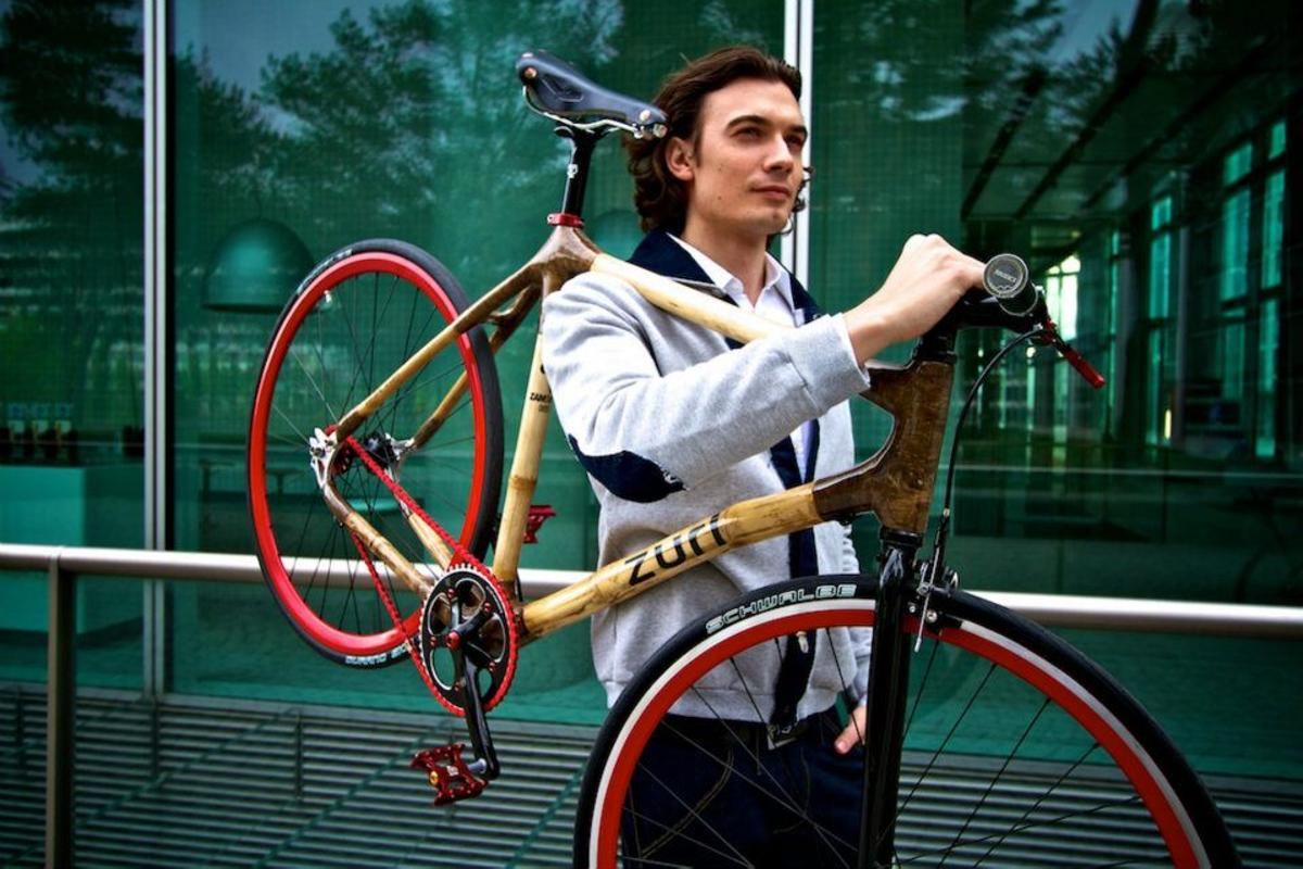 Zuri chose the bright-colored components as a contrast to the Urban Fixie's natural bamboo frame