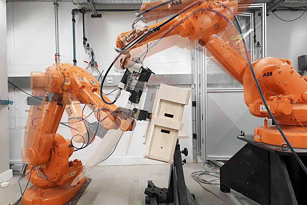 The system is based on a single, repeating building block, which is prefabricated using CNC technology and robotic assembly by two industrial robots