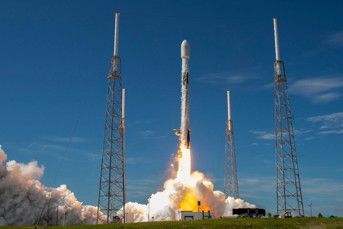 A Falcon 9 rocket lifts off for a record sixth time