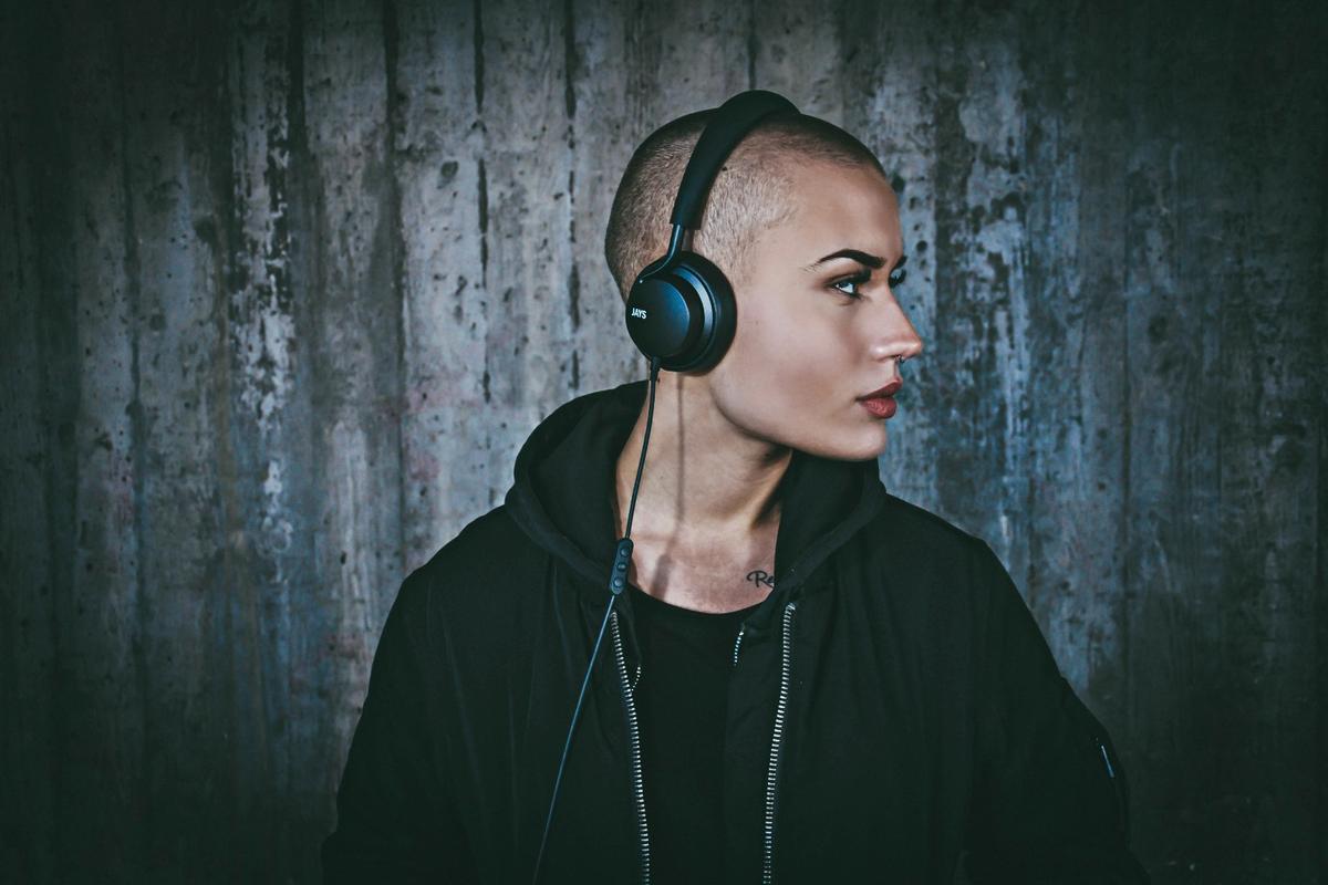 The u-Jays headphones have interchangable earcups