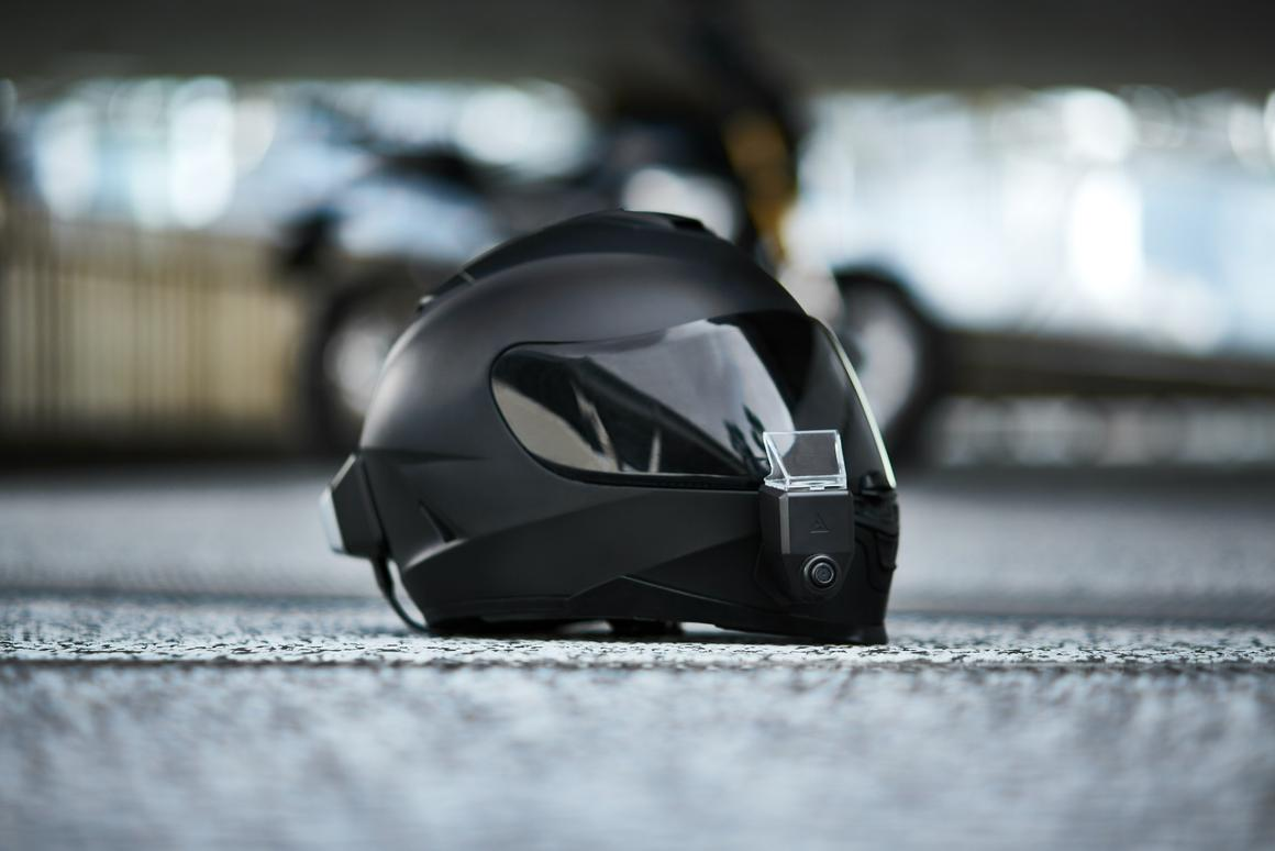 Whyre's Argon Transform kit turns any helmet into a smart HUD helmet