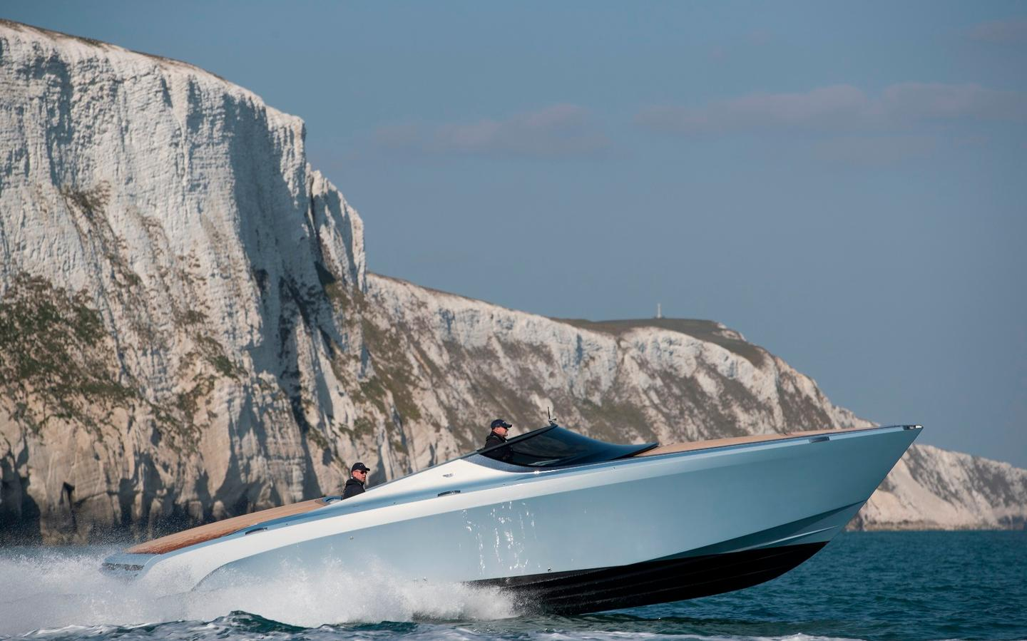 Aston Martin Am37 Yacht Sails Into First Owner S Hands