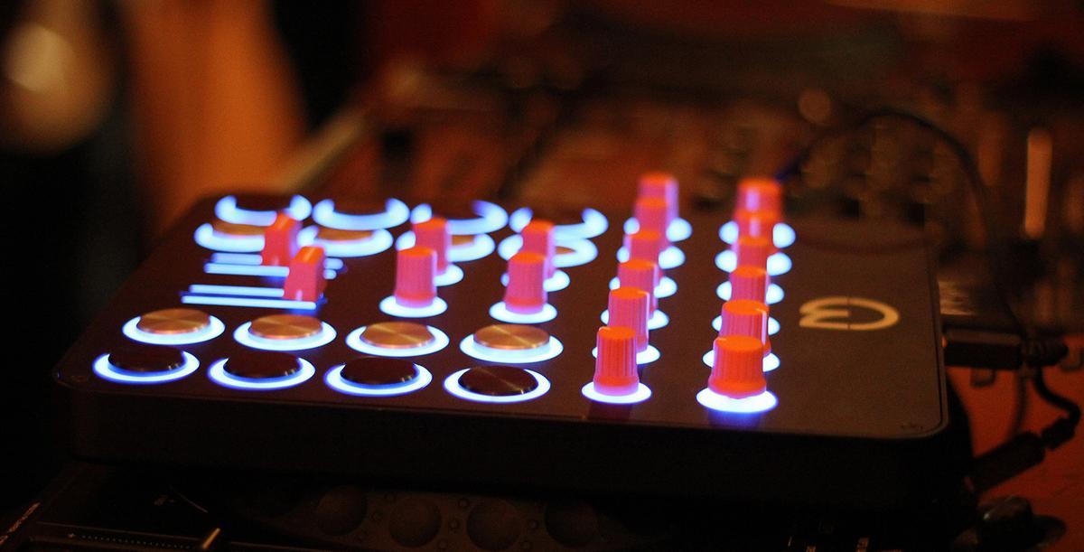 The umidi custom MIDI controller